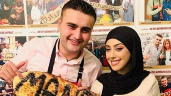 """الطباخ التركي الشهير """"بوراك"""" يعرض الزواج على فنانة عربية"""