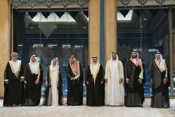 بورصة قطر تقفز بسبب زيارة رئيس وزرائها إلى السعودية