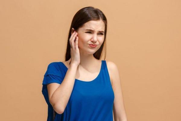 التهاب الأذن الوسطى: عوارض وعلاجات