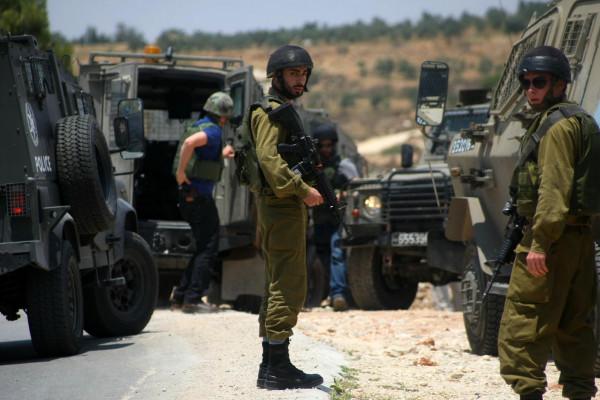 الاحتلال يعتقل شابا من مدينة قلقيلية