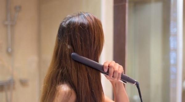 لهذا السبب عليك تنظيف جهاز تسبيل الشعر قبل استخدامه