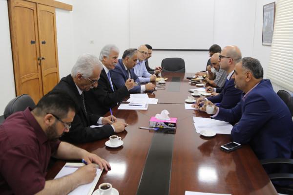 وزارتا التربية وشؤون القدس تؤكدان تكامل الجهود لحماية التعليم في المدينة المقدسة