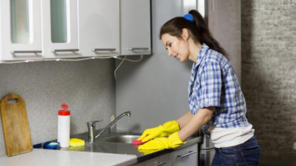 تسبب أمراضا خطيرة.. 5 أخطاء فى تنظيف المنزل