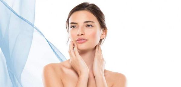 نصيحة للمرأة بإزالة الشعر ليلاً.. والسبب؟
