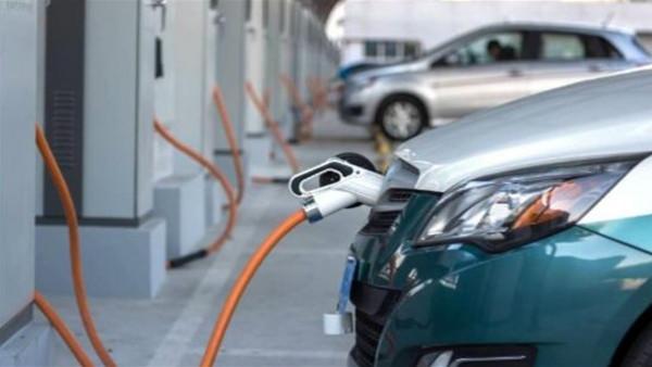 شحن السيارات الكهربائية في المنازل خطر
