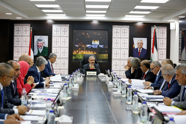 الحكومة الفلسطينية تأسف بشدة لإعلان القاهرة وعمّان مشاركتهما في ورشة المنامة