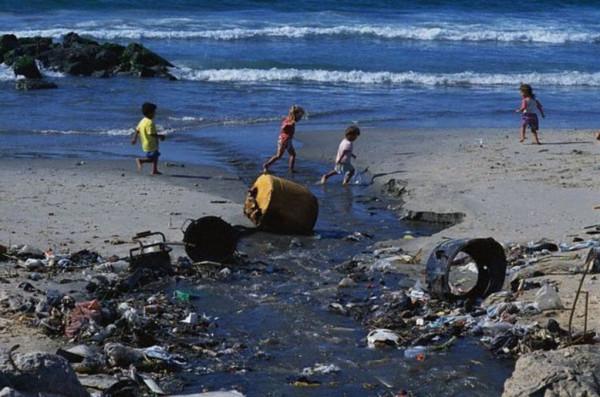 وزير الحكم المحلي: الحكومة لن تسمح أن تتحول غزة لمنطقة غير صالحة للحياة