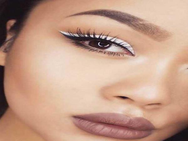 الآي لاينر الأبيض.. أحدث صيحات عالم التجميل في صيف 2019