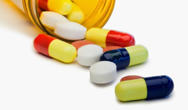 الصحة تُحذر من التعامل مع الأدوية التي تُباع عبر الإنترنت