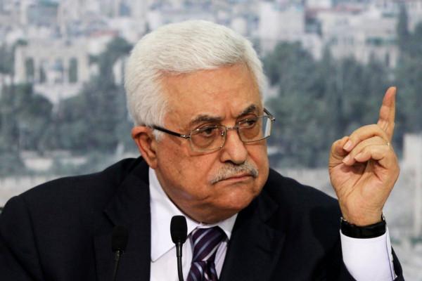 الرئيس عباس يُعلّق على استهداف الحوثيين لمطار أبها السعودي