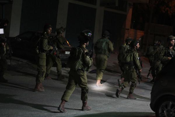 قوات الاحتلال تعتقل 11 مواطناً في مناطق الضفة والقدس