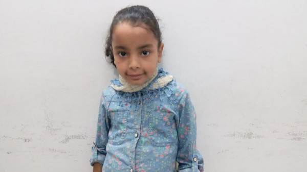 """تالا تعيش بـ""""رُبع"""" كلية فقط وتحتاج لأدوية وطعام خاص.. مناشدة لمحمد عياش"""