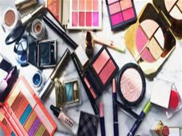 الاستخدام السليم يحمي مستحضرات التجميل من التلف