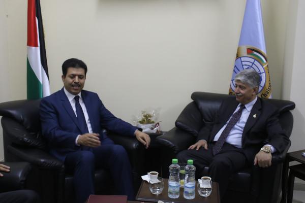 وزير التنمية الاجتماعية يتلقى دعوة من نظيره التونسي لتعزيز التعاون المشترك