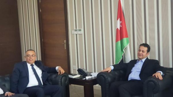 وزير الثقافة الفلسطيني يلتقي نظيره الأردني ويبحثان آفاق التعاون المشترك