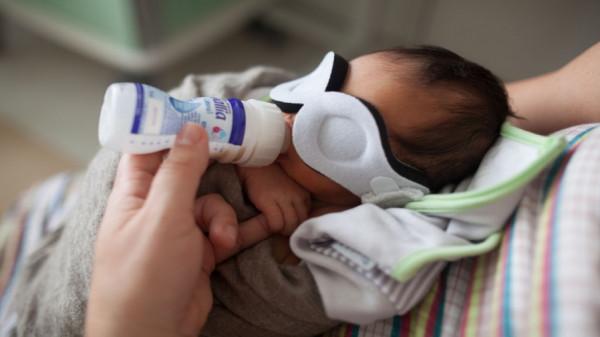 الصحة: نفاد الحليب العلاجي يتسبب في هدر حياة الأطفال المرضى