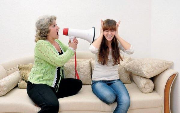 """هل أنتِ مقبلة على الزواج؟7 أشياء تضمن لك علاقة جيدة مع """"حماتك"""""""