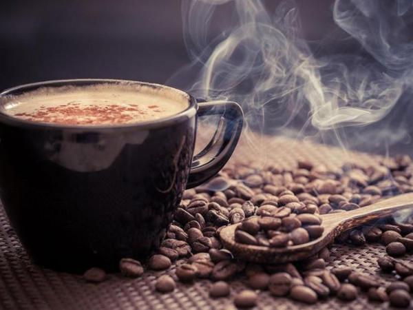 الأطباء يحذرون من إدمان القهوة   دنيا الوطن