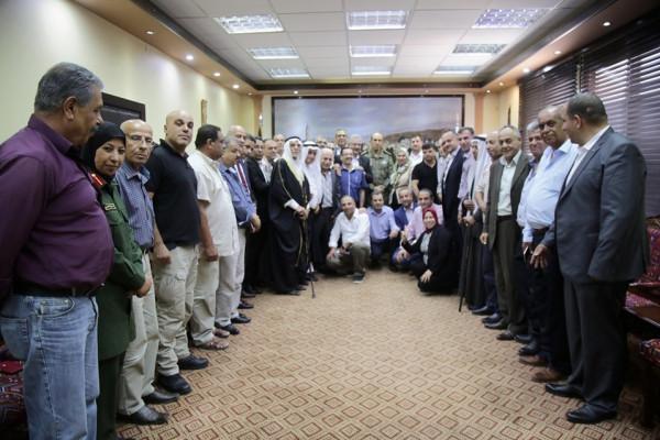 وفد من محافظة طولكرم يقدم التهاني بالشفاء للواء نضال أبو دخان