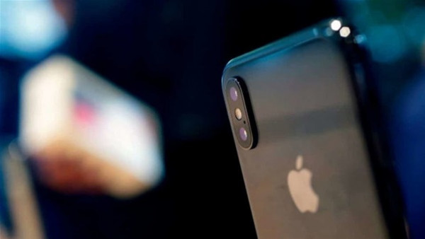 تطبيق على هاتف أبل ينقذ مراهقة من موت محقق