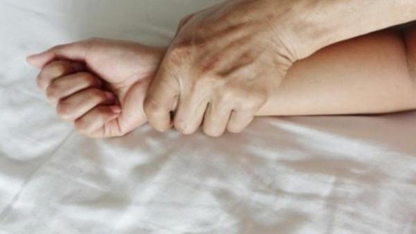 مصر: مُستغلاً إعاقة زوجها.. خدر زوجة شقيقه وعاشرها وصورها ليبتزها