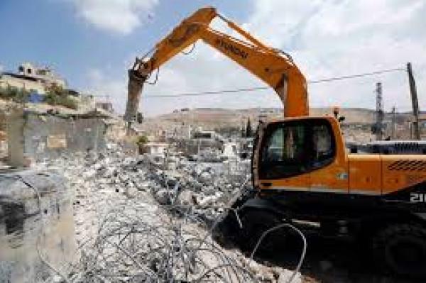 الاحتلال يهدم غرفتين زراعيتين ويجرف أراضٍ في ترقوميا