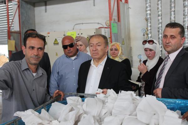 وزير الاقتصاد: ماضون بتنشط بيئة الاستثمار في منطقة أريحا الصناعية الزراعية