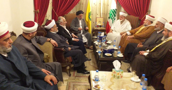 مجلس علماء فلسطين في لبنان يزور حزب الله في مركزه في بيروت