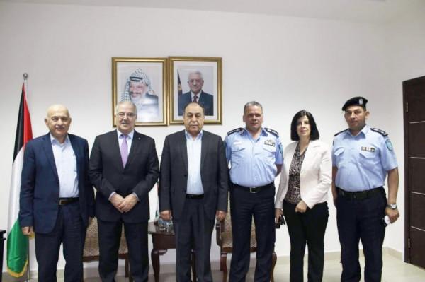 وزير النقل والمواصلات يعلن عن مشروع افتتاح مكتب خدمات بالبلدة القديمة بنابلس