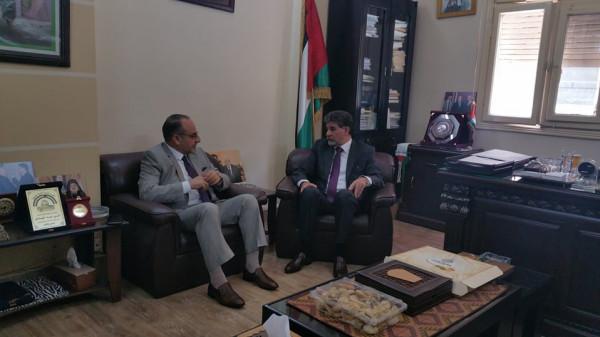 السفير عبد الهادي يستقبل السفير العراقي بدمشق ويطلعه على تطورات القضية الفلسطينية