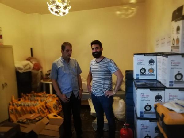 الصليب الأحمر الدولي يُسلم بالتنسيق مع اللجان الشعبية لوازم الصيانه الكهربائية بعين الحلوة