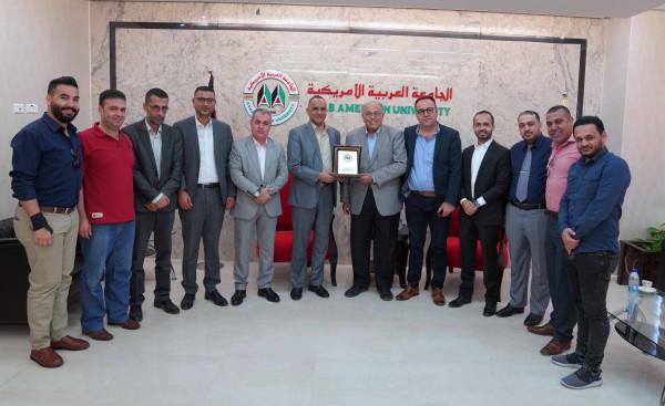 رئيس الجامعة العربية الأمريكية يستقبل مدير جهاز الأمن الوقائي في جنين