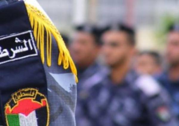 شرطة نابلس تفتتح معرض الأجسام المشبوهة