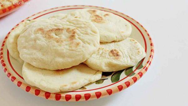 الخبز العربي الصغير