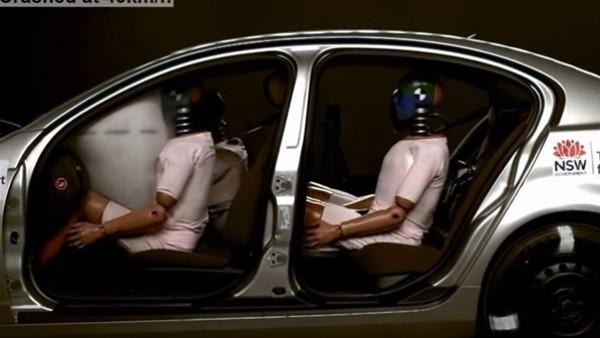 شاهد: فوائد حزام الأمان عند وقوع حوادث السيارات