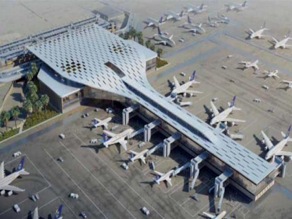 السعودية: الحوثيون استهدفوا مطار أبها بصاروخ إيراني