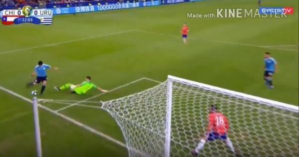 شاهد: سواريز يُثير ضحك مشجعي كرة القدم في العالم