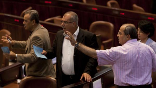 الأحزاب العربية ترد على ليبرمان: لن نتعاون مع الليكود ونتنياهو