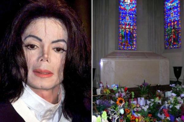 تابوت ذهبي وسط كتلة خرسانة.. لماذا كلف دفن مايكل جاكسون 23 ألف دولار؟