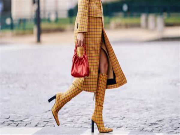 كيف تختاري الحذاء مع لون فستانك؟