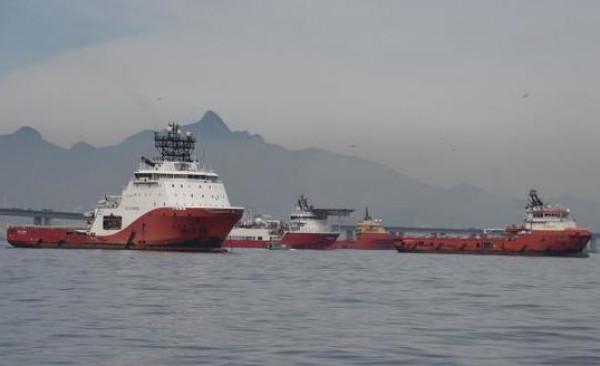 اللجنة الاقتصادية تحصر استيراد المشتقات النفطية على شركة مصافي عدن
