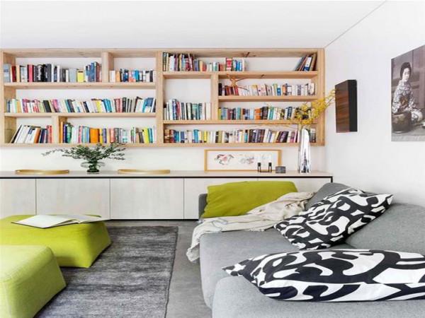حسب مساحة منزلك..4 ديكورات مبتكرة لمكتبة مودرن