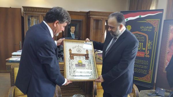 السفير عبد الهادي يبحث مع وزير الأوقاف السوري تطورات الوضع الفلسطيني