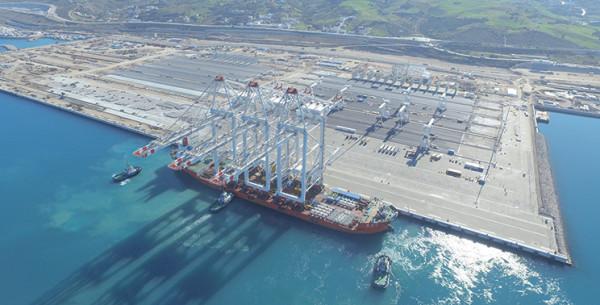 المغرب يفتتح أكبر ميناء في البحر الأبيض المتوسط