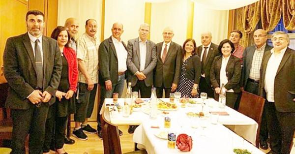 شعث يلتقي عدداً من المؤسسات والإتحادات والجمعيات الفلسطينية في برلين