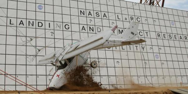 لماذا تقوم وكالة ناسا بتحطيم الطائرات؟   دنيا الوطن