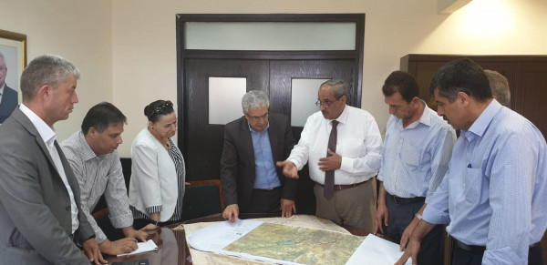 تشكيل لجنة عليا لمتابعة مراحل تنفيذ مشروع الطريق البديل لواد النار