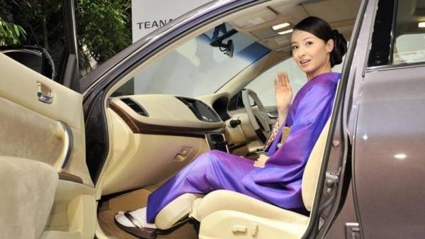 ظاهرة غريبة ومفاجآت أغرب.. لماذا يستأجر اليابانيون السيارات ولا يقودونها؟