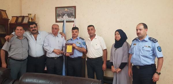 جبهة النضال الشعبي تلتقي مدير عام شرطة طولكرم