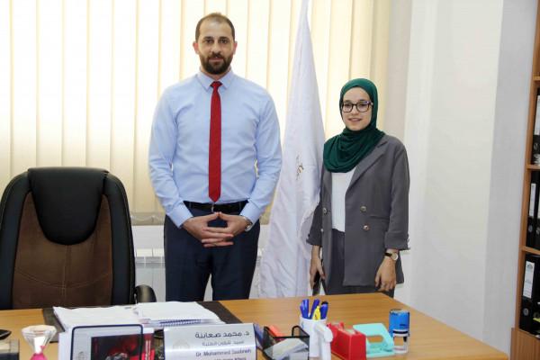 الأولى على جامعة فلسطين الأهلية تتسلم مهام عميد شؤون الطلبة